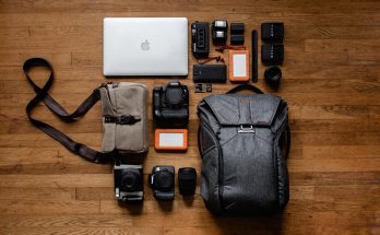 top 10 gadgets that you need for travelling